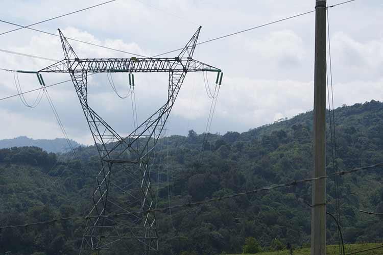 Apagones de hasta 48 horas reportan en la sierra de Puebla