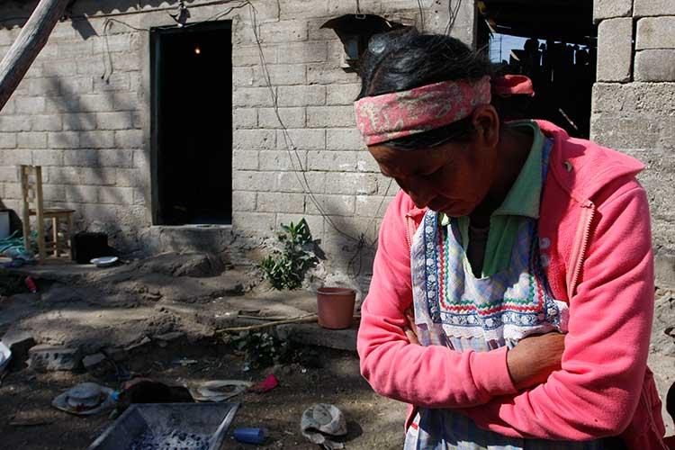 Más de mil mexicanos se hacen pobres cada hora: BBVA