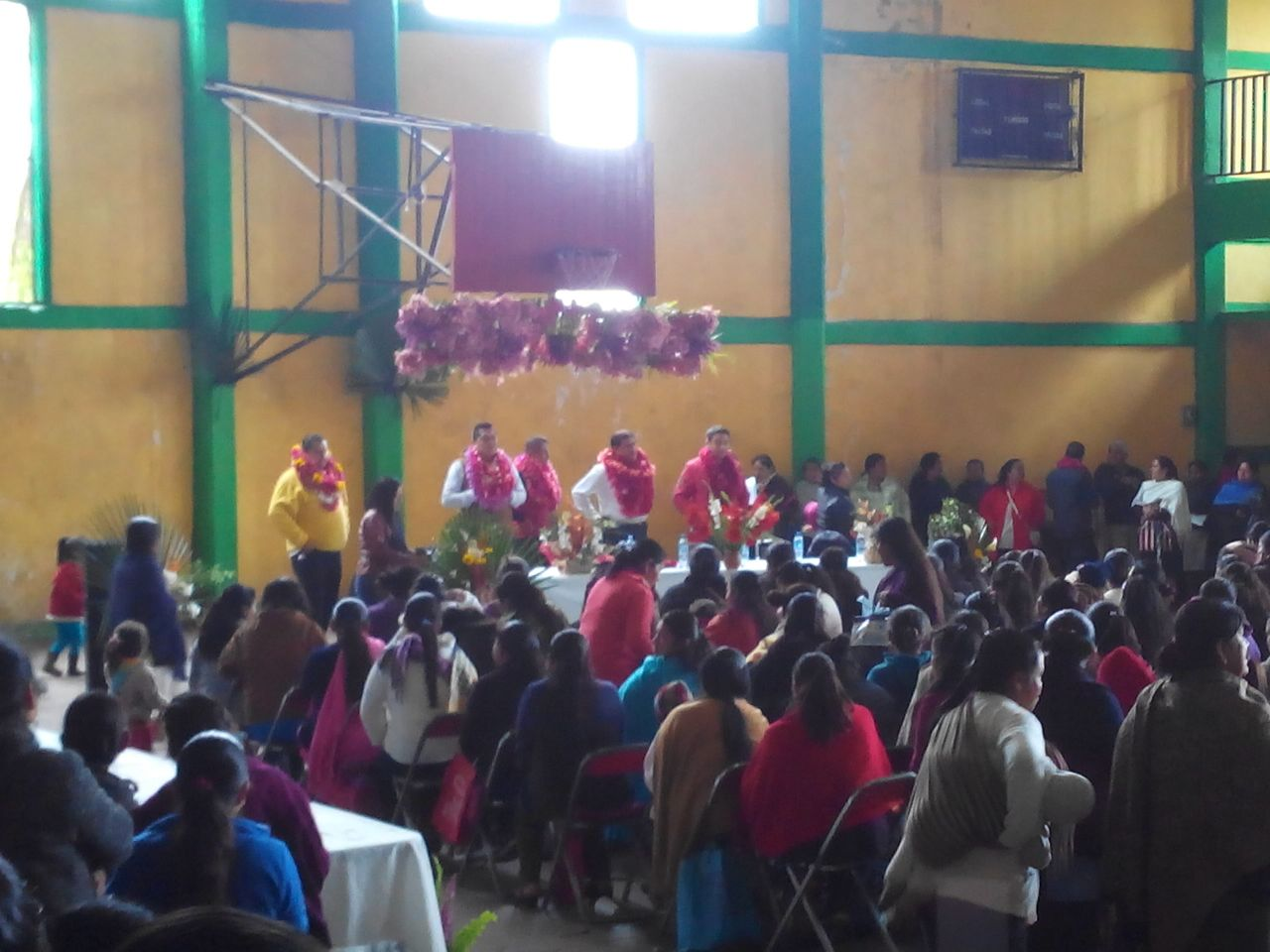 Acusan a precandidato de usar PROSPERA en Xochitlán