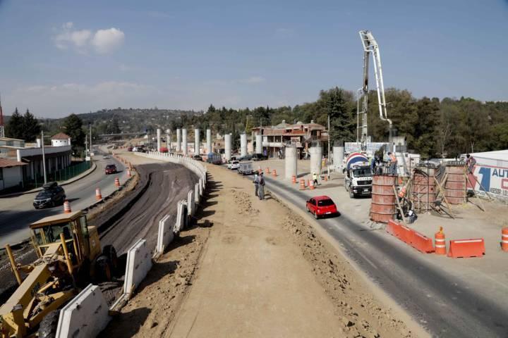Vecinos piden a la SCT frenar ampliación de vía en Tlaxcalancingo