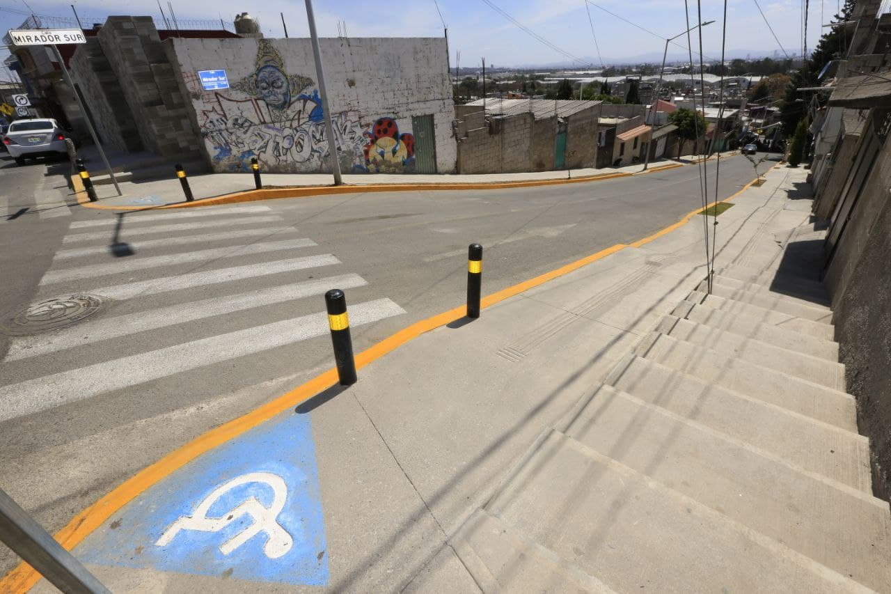 Rehabilitan avenida del Conde en Xochimehuacán con 4.3 mdp