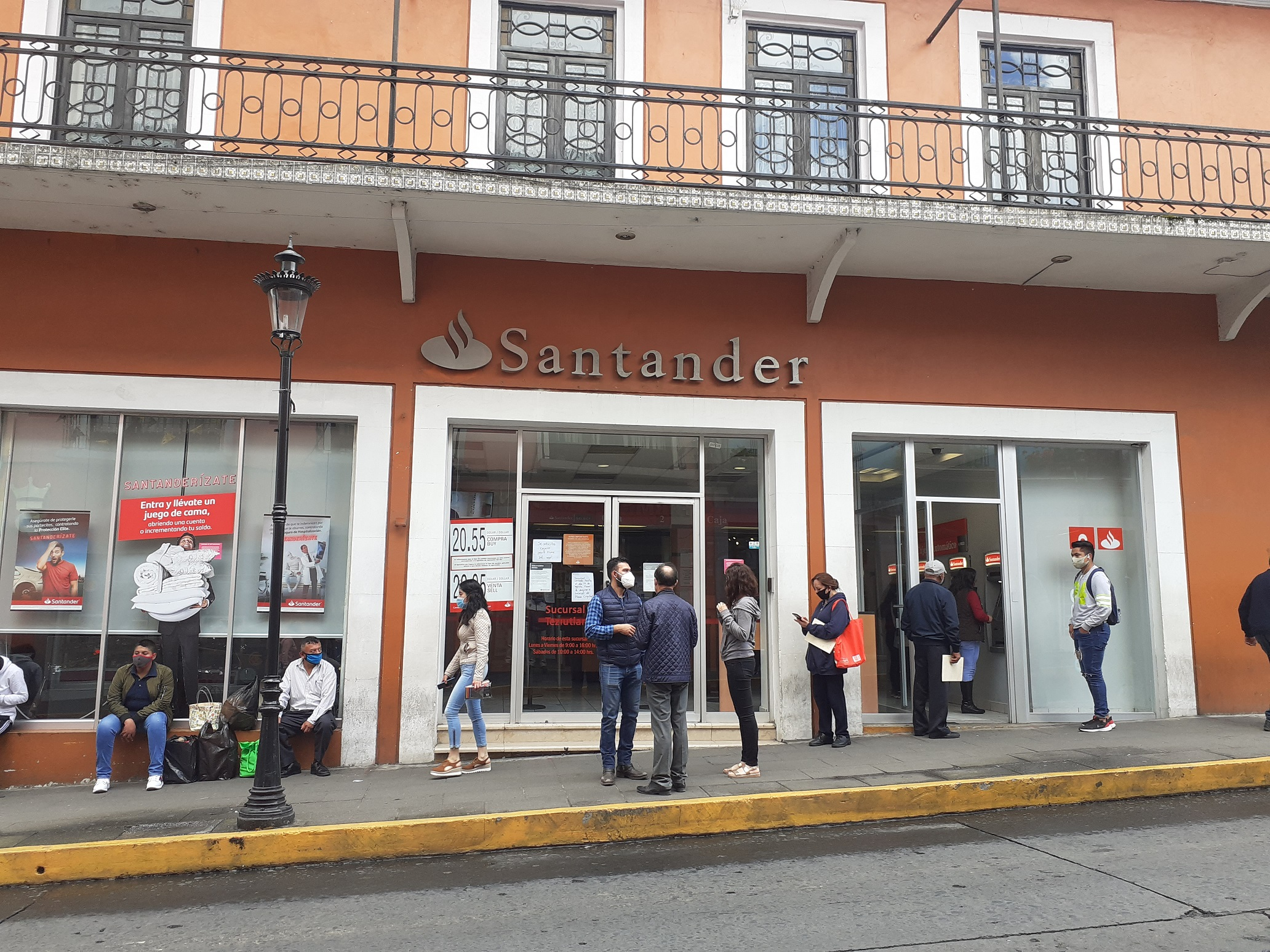 Cierran Bancomer, Scotiabank y Santander en Teziutlán por Covid19