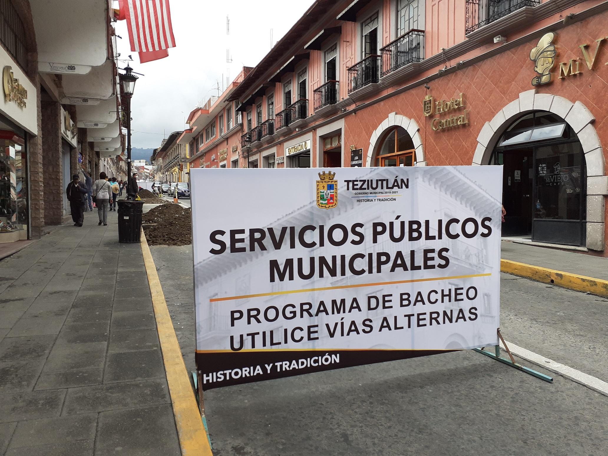 Colapsan red de agua potable mientras arreglaban calle en Teziutlán