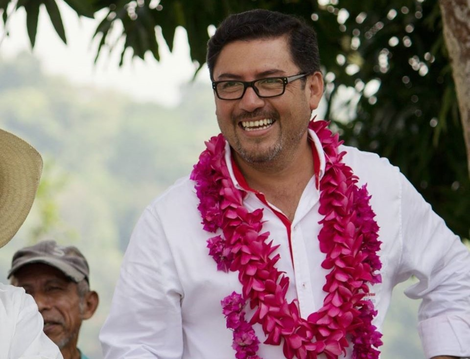 Edil de Cuetzalan da positivo a Covid el día que Gatell visitó el municipio