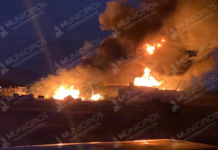 Pobladores queman la casa de un presunto violador en Felipe Ángeles