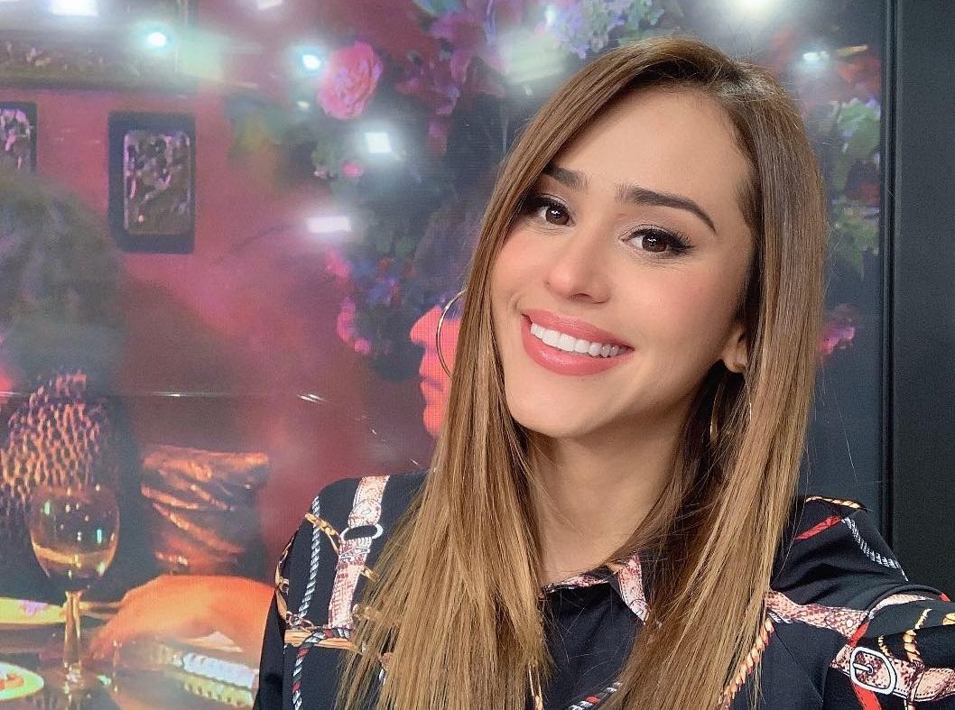 Sensual como solo ella sabe, Yanet García celebra su cumple