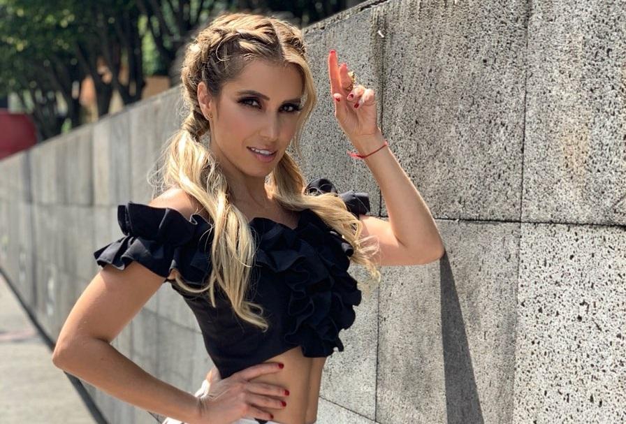 Sufre accidente Andrea Escalona y enseña de más