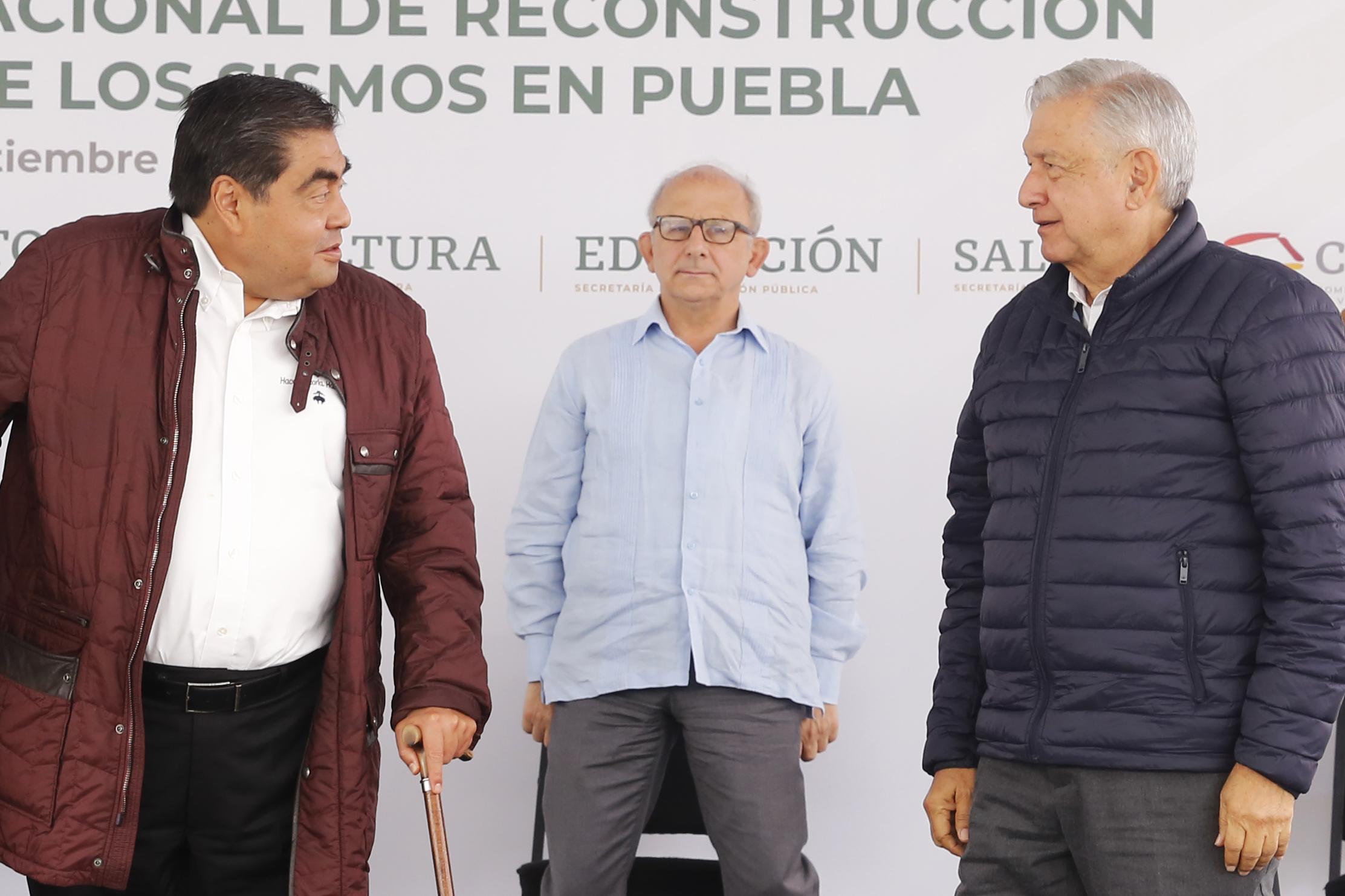 Resalta AMLO trabajo conjunto con el gobierno de Miguel Barbosa