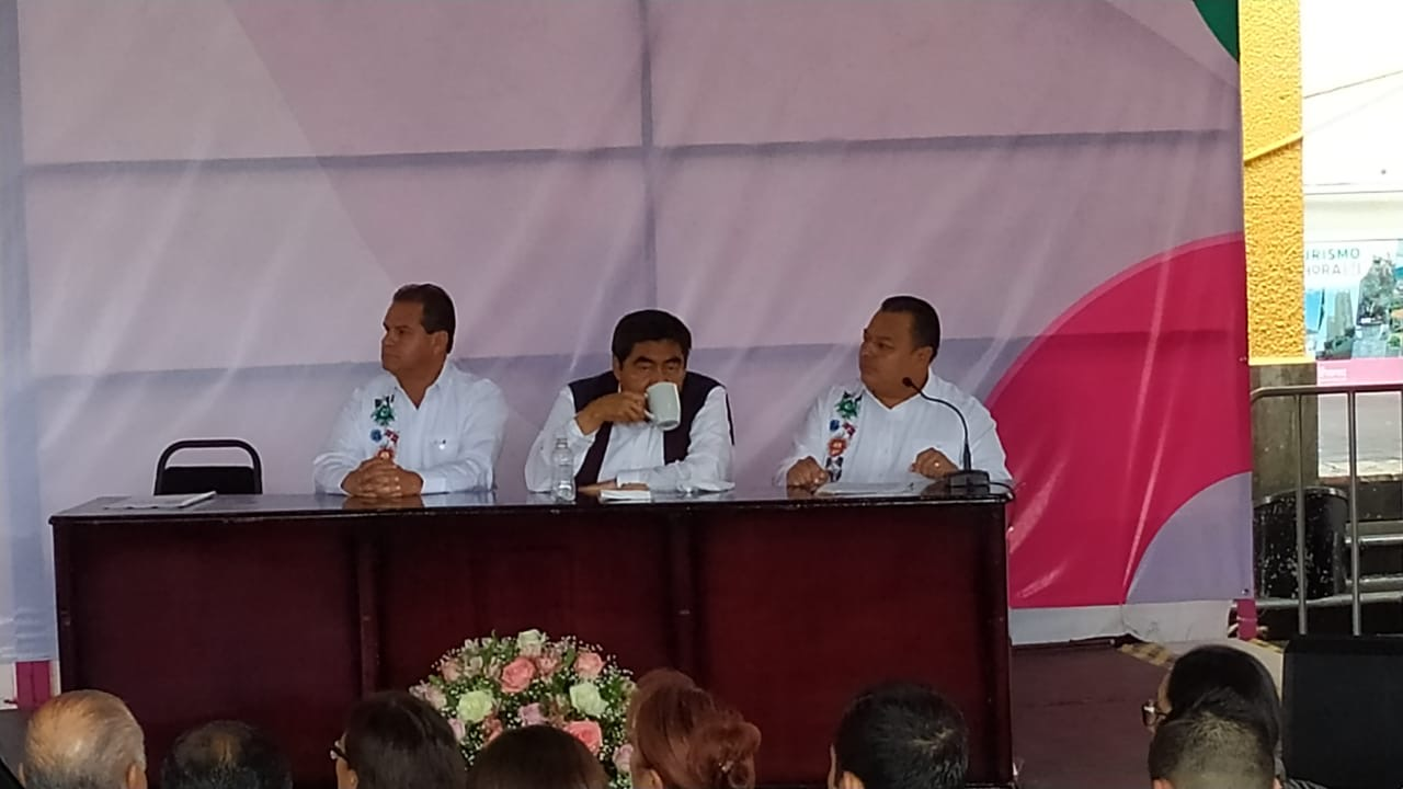 Promete Barbosa 5 tipos de infraestructuras en Xicotepec