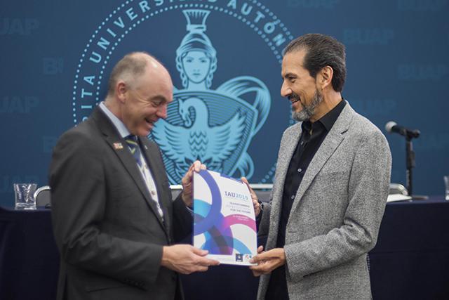Reconoce Banco Mundial a la BUAP por vinculación a raíces culturales