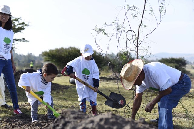 Contribuye BUAP al cuidado del medioambiente