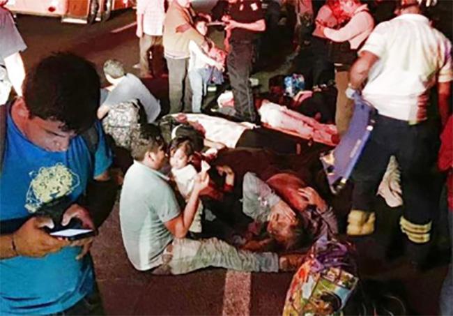Se vuelca un autobús Rápidos de Zacatlán; hay 22 lesionados y 3 muertos