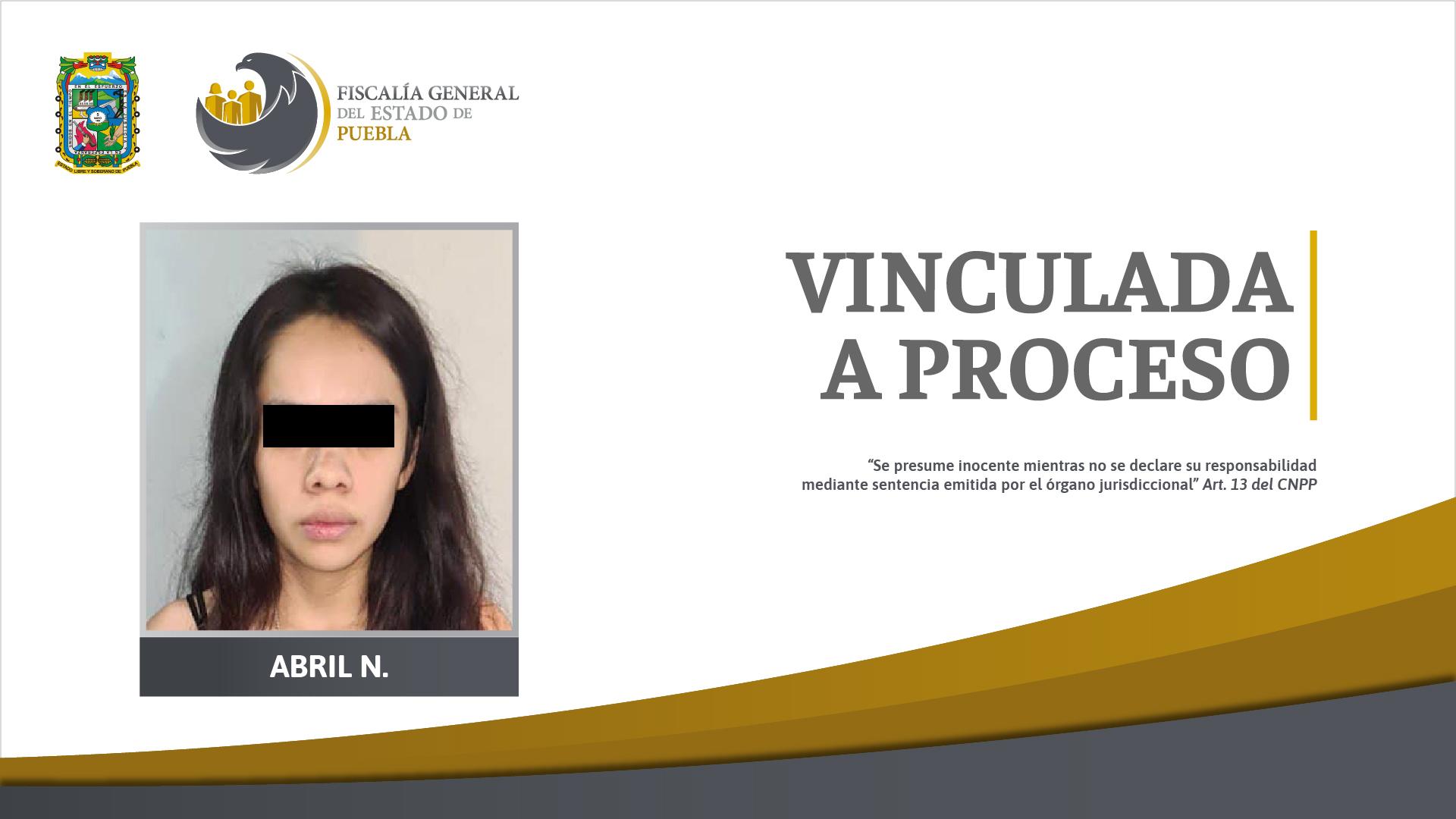 En cateo a casa detienen a chica de 19 años con droga y arma en Huauchinango