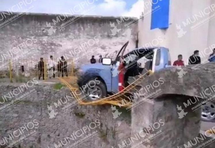 En huida destruyeron patrimonio histórico de Acajete