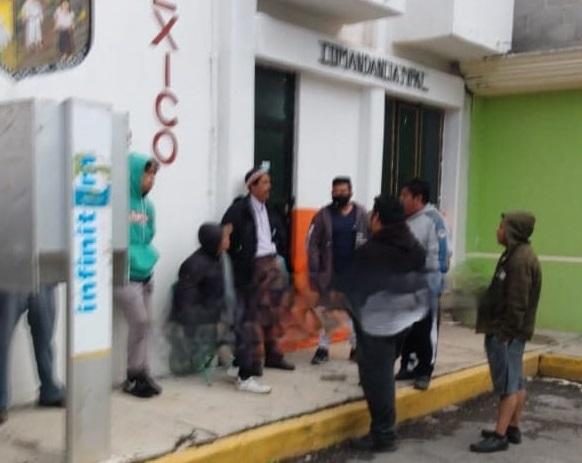 Vecinos detienen a tres presuntos secuestradores en Acajete