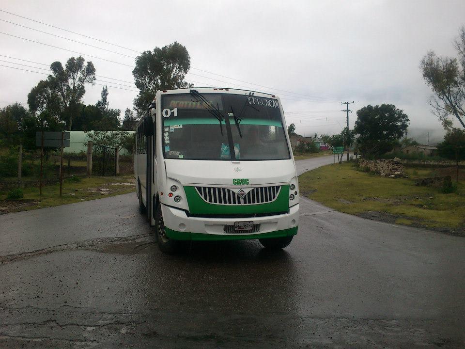 Piden concluir carretera suspendida en Tehuacán