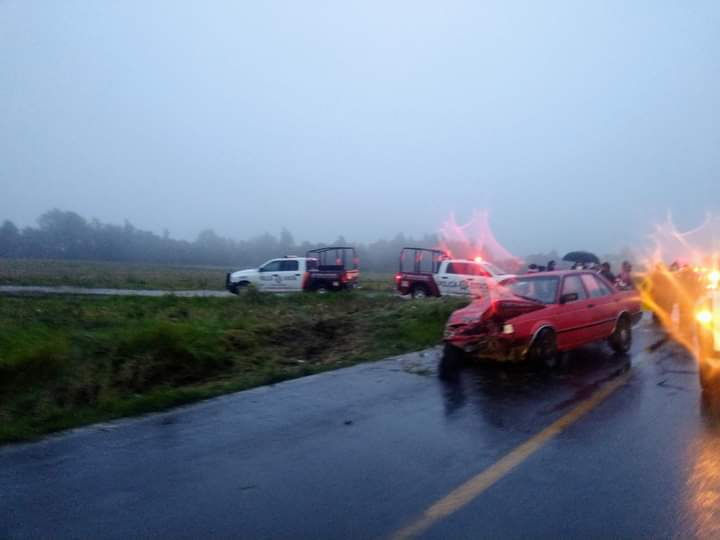 Fuerte accidente deja varios lesionados en la Acuaco-Zacapoaxtla