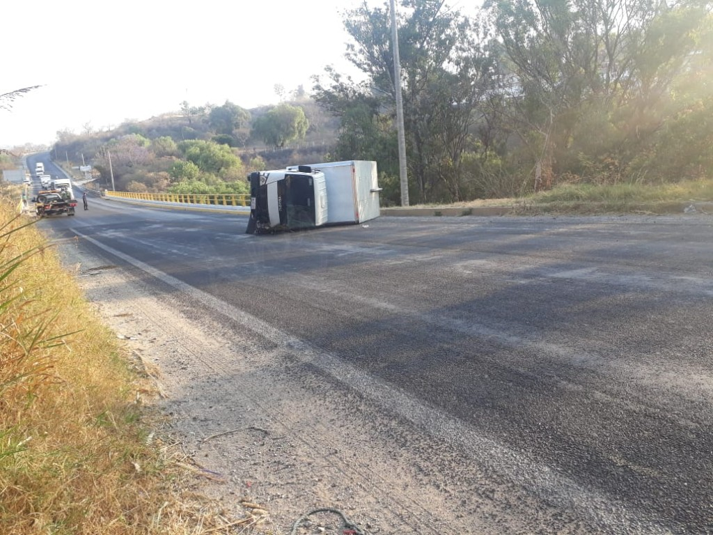 Daños materiales considerables, en 3 accidentes viales en Atlixco