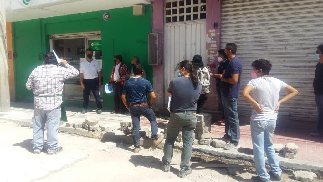 Protestan por obra de drenaje y adoquinamiento en Tehuacán