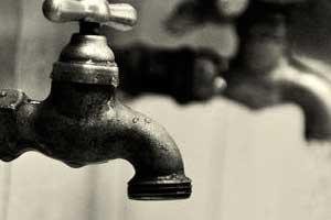 Detectan arsénico y heces fecales en agua de escuelas y municipios poblanos