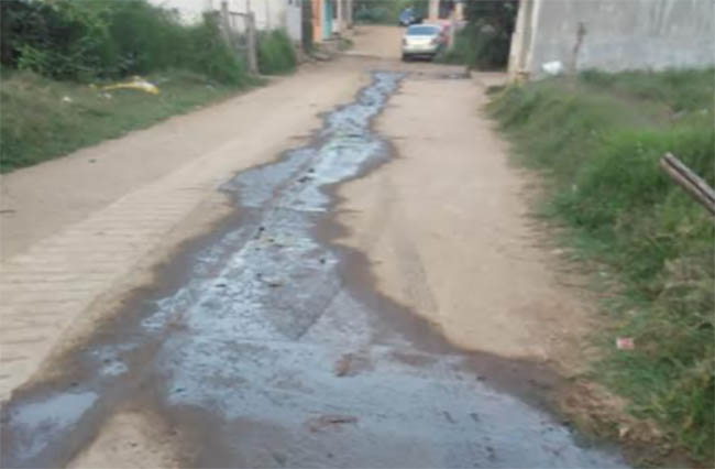 Aguas negras recorren calles de Huauchinango