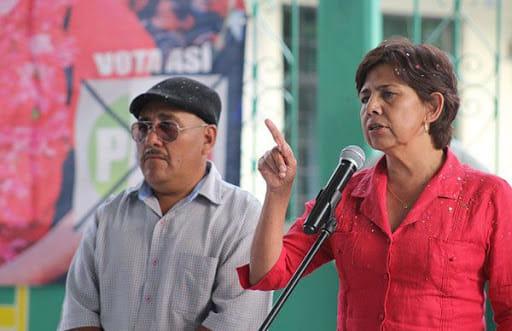 Asaltan a candidata de Ahuatempan; exige seguridad a Barbosa