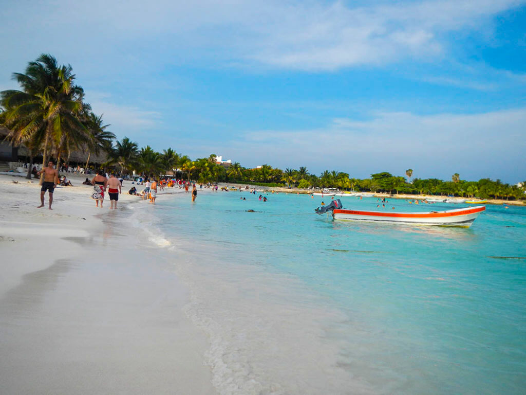 Senado avala dictamen para que haya libre acceso a playas mexicanas