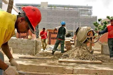 Hay 30 mil trabajadores de la construcción desempleados en Puebla: CMIC