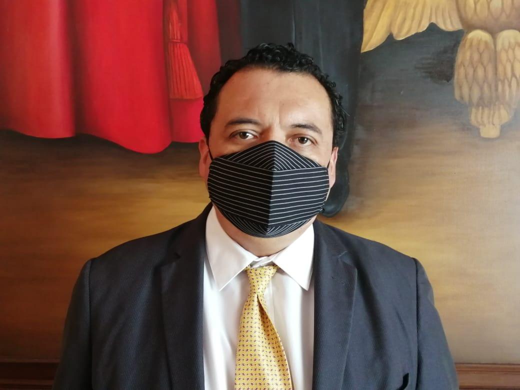 Edil suplente de Tehuacán se niega a aislarse pese a tener Covid-19