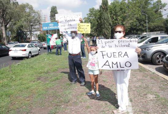 VIDEO Frente Anti AMLO hace caravana para protestar contra su gobierno