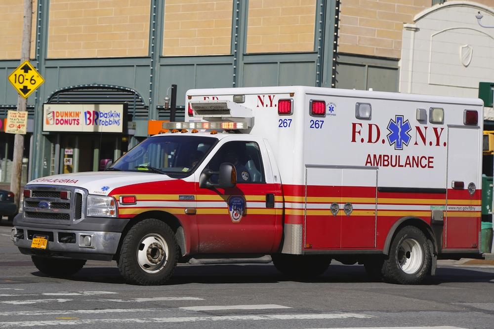 Una ambulancia embistió y asesinó a poblana en NY