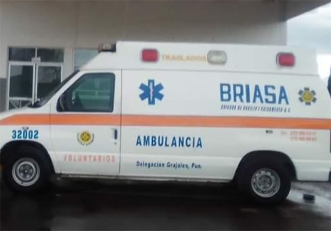 Desvalijan única ambulancia de Rafael Lara Grajales
