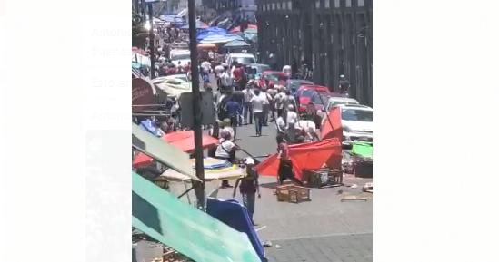 150 policías municipales controlaron trifulca entre ambulantes