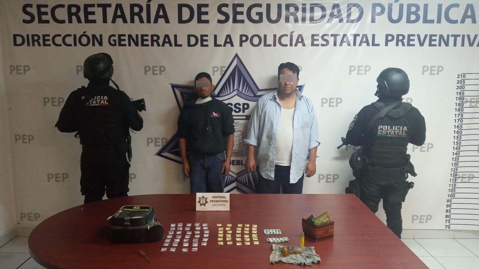Caen El Gordo y El Sindy con 80 dosis de droga en Amozoc