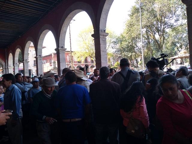 Antorchistas marchan para exigir obras en Huauchinango