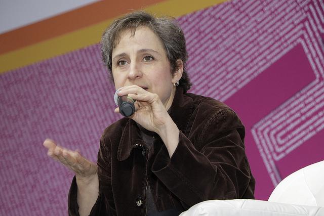 Aristegui declara contra Zerón y catean empresa de espionaje