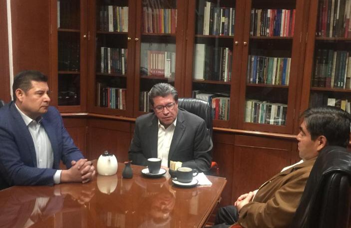 Reunión con Armenta no fue para ceder cargos públicos: Barbosa