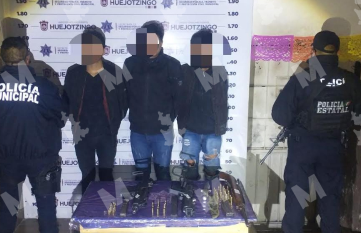 Aseguran a cuatro sujetos con subametralladoras en Huejotzingo