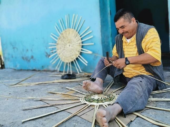 Artesanos de la palma de Ahuatempan piden apoyo al gobierno federal