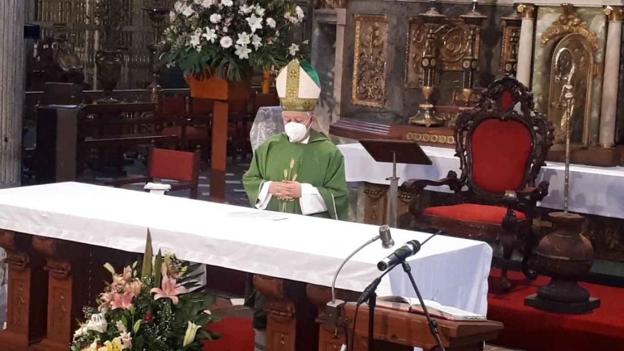 Pide Arzobispo de Puebla a poblanos seguir medidas contra Covid-19