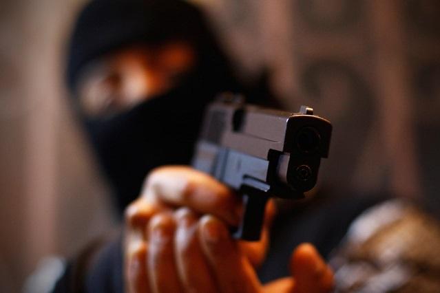 Hombres armados asaltan a usuarios de la ruta Azteca en la 18 Oriente, en Puebla