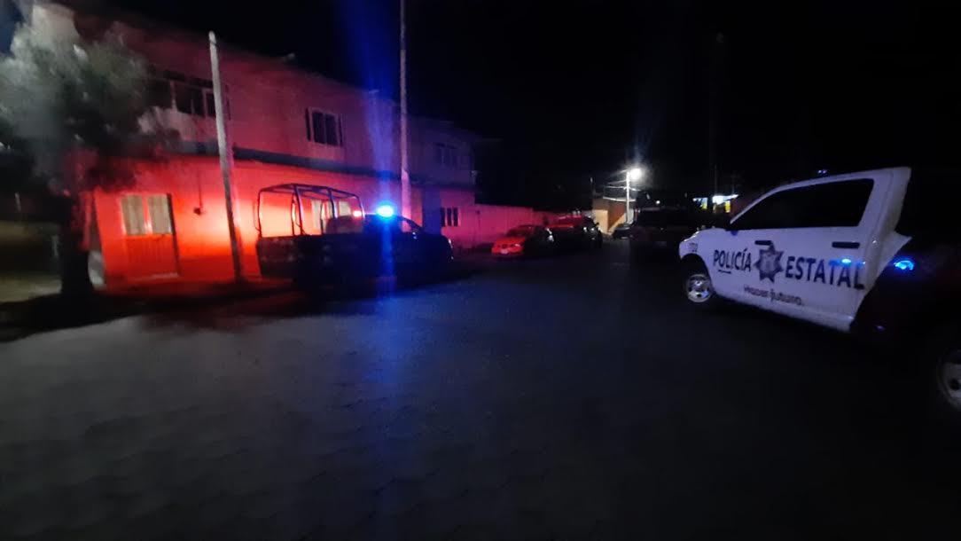 A punta de pistola los asaltan en Tecamachalco