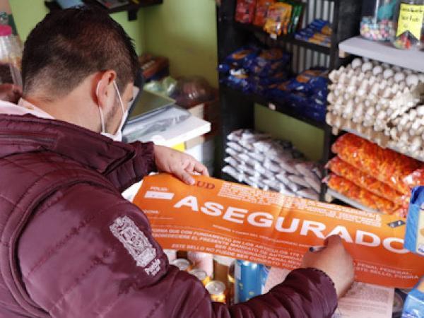 Decomisa SEGOB botellas de alcohol adulterado en El Seco