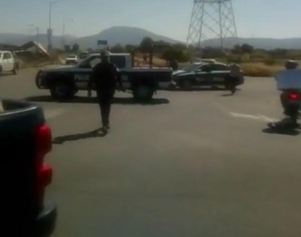 Vendedores y policía de Atlixco protagonizan un altercado