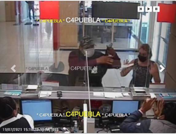 Sujetos armados asaltan Scotiabank en Texmelucan