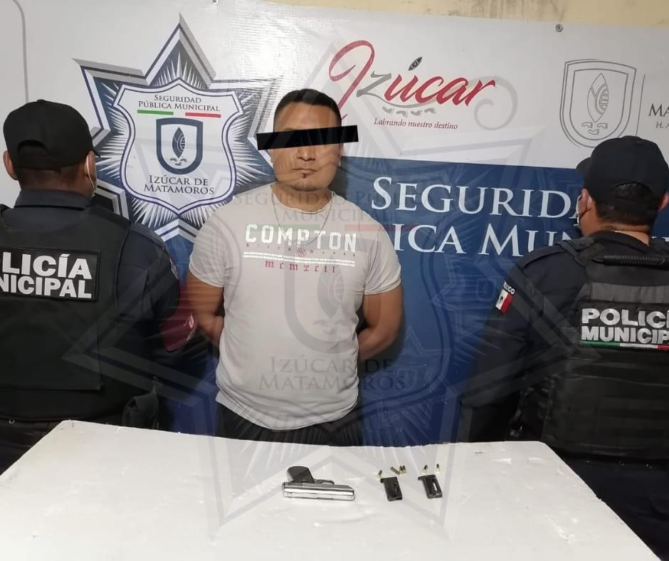 Lo detienen por portación de arma de fuego en calles de Izúcar