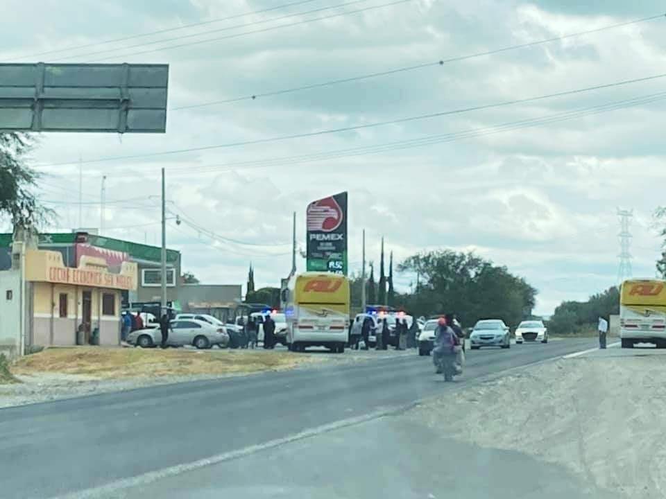 Detienen a delincuente que asaltaba autobús AU en Yehualtepec