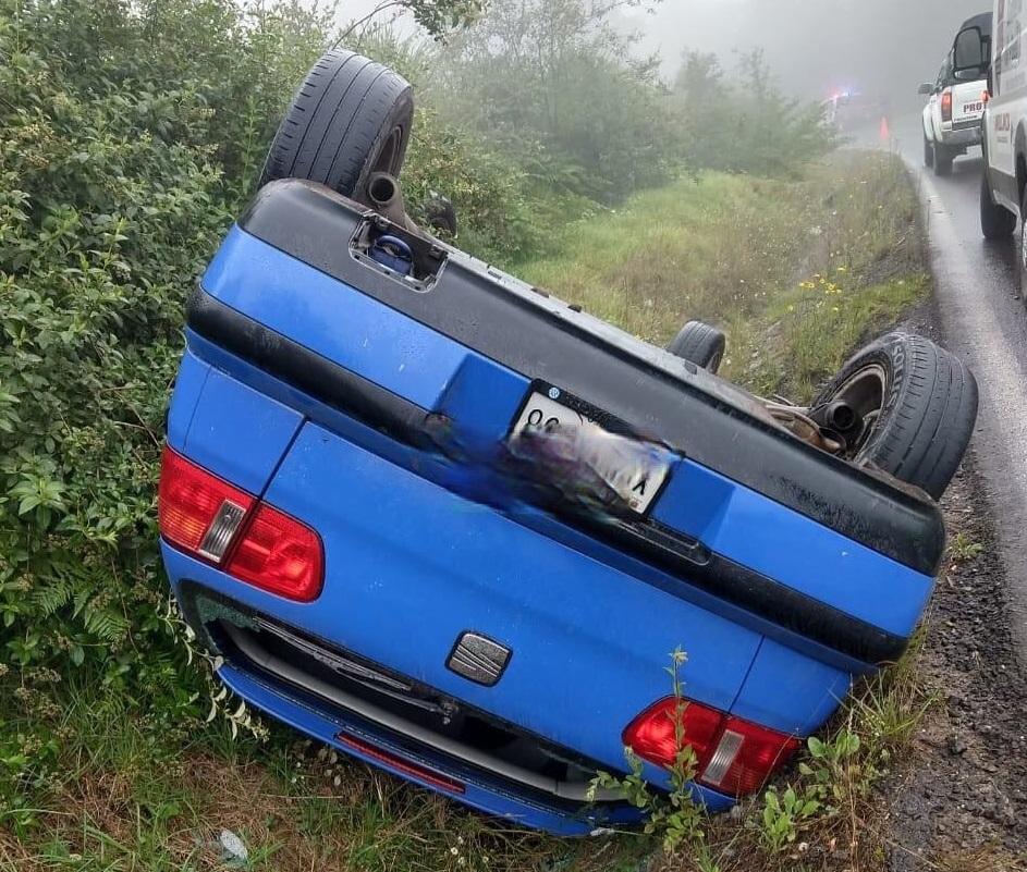 Vuelca automóvil en la Acuaco-Zacapoaxtla, hay 4 lesionados