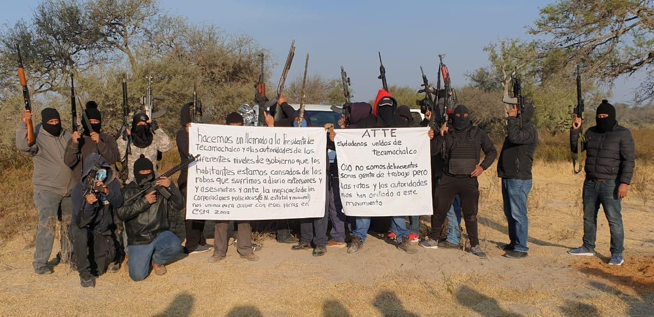 Circula en redes sociales foto de grupo de autodefensas en Tecamachalco