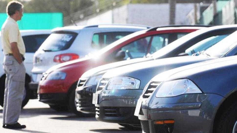 Venta de autos en México registra alza en marzo